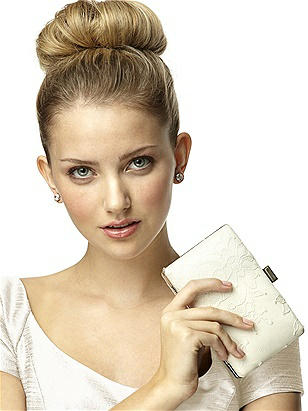 Chantilly Lace Bridal Clutch http://www.dessy.com/accessories/chantilly-lace-bridal-clutch/
